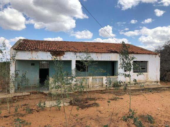 Prefeito determina reforma de antigo grupo escolar para transformar em Unidade de Saúde na zona rural